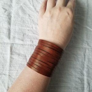 💥 Leather Snap Bracelet